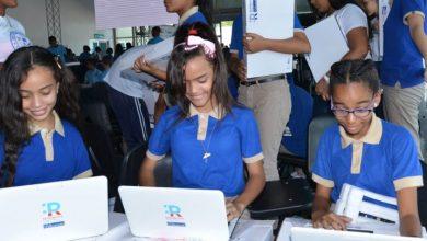 Photo of Minerd concluye entrega de más de 105 mil computadoras a estudiantes de secundaria