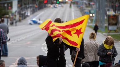 Photo of Cataluña paralizada por huelgas, marchas van a Barcelona y Puigdemont se presenta ante la justicia belga