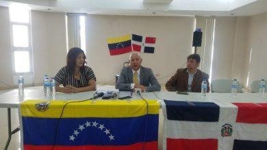 Photo of Embajador de Guaidó espera por credenciales de Danilo