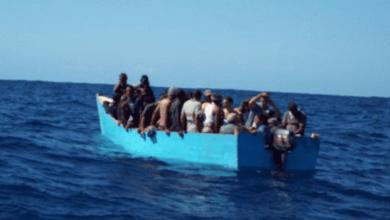 Photo of Rescatan 41 personas en una yola a la deriva que fue abandonada por capitán ; iban para PR