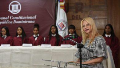 Photo of Niñas hacen papel de juezas en audiencia simulada del TC en conmemoración del Día de la Niña