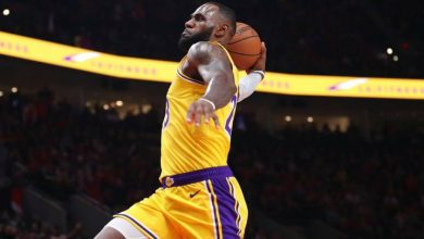 Photo of LeBron James se destaca; con triples al final, Lakers vencen a Suns