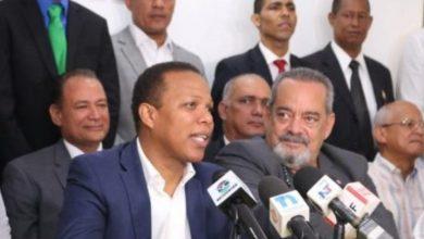 Photo of Alfonso ya no va por la presidencia de RD; ahora va por una senaduría