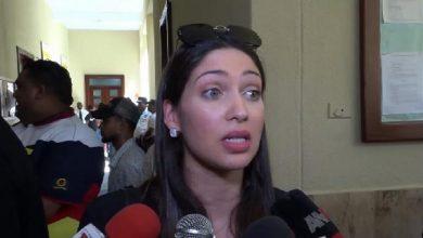 Photo of Procuraduría bloquea cuentas bancarias de esposa de Octavio Dotel, sus abogados intiman a bancos