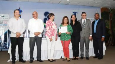 Photo of Ministerio de Educación certifica a 165 docentes como agentes multiplicadores en el uso de tecnología en aulas