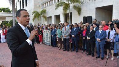 Photo of Ministro de Educación pide colegios privados cumplan calendario escolar
