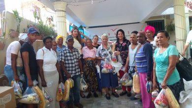 Photo of Damas Solidarias entregan más de tres mil raciones alimenticias en Santo Domingo Oeste