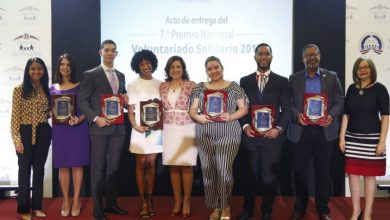 Photo of Vicepresidenta Margarita Cedeño premia voluntarios que contribuyen con el desarrollo sostenible de RD