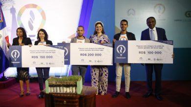 Photo of Vicepresidenta premia ganadores de la sexta edición Innovapp 2019