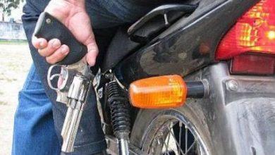 Photo of Iban en una motocicleta los dos hombres que mataron a Claudio Guerra