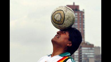 Photo of Evo Morales juega al fútbol con el ministro de Deportes argentino