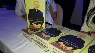 Photo of Agripino Núñez Collado pone en circulación libro que recoge sus memorias