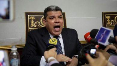 Photo of Estados Unidos sanciona a Luis Parra y a otros seis diputados venezolanos por intentar tomar la Asamblea Nacional