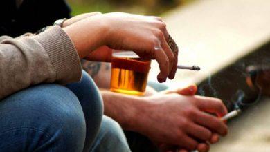 Photo of Fumar y beber diariamente envejece el cerebro