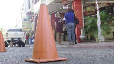 Photo of Negocios y buscones se adueñan de las calles; marcan un límite de propiedad