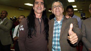 Photo of André L. Mateo y el cantante Roldán apoyan a Manuel Jiménez