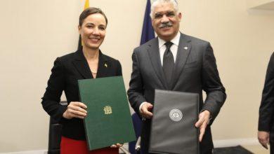 Photo of Canciller Miguel Vargas suscribe acuerdo para fomentar relaciones económicas con Jamaica