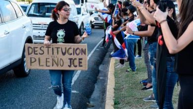 Photo of Melymel se une a protesta frente a la JCE