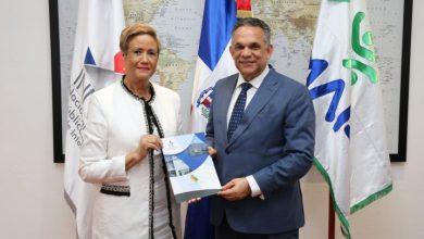 Photo of MAP sobrepasará meta de 100 Cartas Compromisos al Ciudadano de entidades públicas en actual gestión