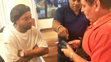 Photo of Detienen a Ronaldinho en Paraguay por entrar con pasaporte falso