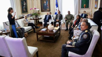 Photo of Autoridades de salud informan al Presidente Danilo sobre situación del coronavirus