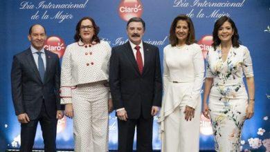 Photo of Claro ofrece un almuerzo a mujeres destacadas del país