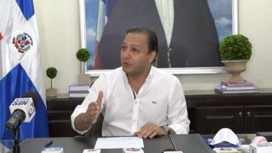 Photo of El Alcalde Abel Martínez pide el aislamiento de Santiago