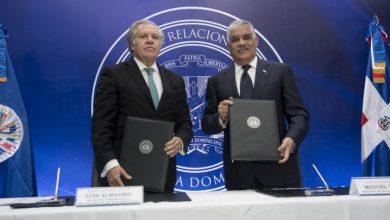 Photo of Miguel Vargas y Luis Almagro suscriben enmienda al acuerdo observadores