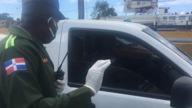 Photo of Personas sin guantes ni mascarillas no pueden entrar al DN; hay decenas de detenidos