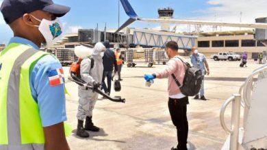 Photo of Someten a cuarentena 130 dominicanos que regresaron de EEUU