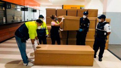 Photo of Guayaquil comienza a repartir ataúdes de cartón ante crisis de los cadáveres