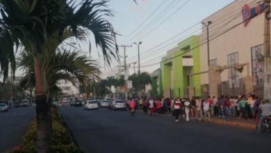 Photo of Cientos de personas hacen filas en Megacentro para buscar tarjeta Solidaridad