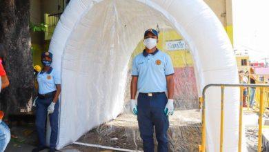 Photo of David Collado deja en funcionamiento el tercer túnel sanitizante certificado en el Mercado de los Guandules