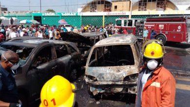 Photo of Cinco vehículos se incendian en el Mercado Nuevo de la Duarte