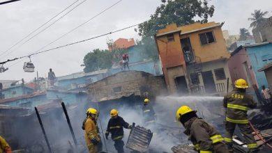 Photo of Fuego deja a tres familias sin hogar en Gualey