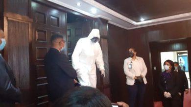 Photo of Así llegó este legislador a la Cámara de Diputados para conocer prórroga estado de emergencia