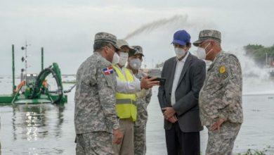 Photo of Gobierno adquiere equipo para limpieza de ríos y puertos; inician pruebas en el Ozama