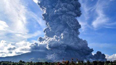 Photo of El volcán Sinabung hace erupción en Indonesia