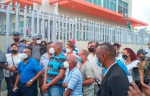 Photo of Denuncian cancelaciones en Alcaldía de Santo Domingo Este