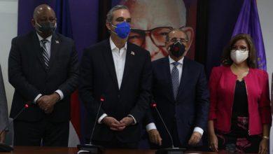 Photo of Luis Abinader se reune con la cúpula del PLD, encabezada por Danilo Medina