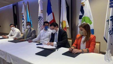 Photo of RD dispone que formulario de viaje de Aduanas y Migración sea electrónico