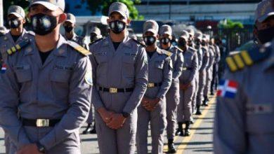 Photo of Gobierno aumentará salarios a policías el próximo mes