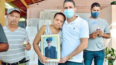 Photo of Familia de coronel asegura que muerte fue planificada