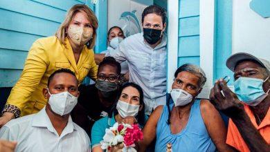 Photo of Primera Dama entrega viviendas en Barahona, junto al INVI