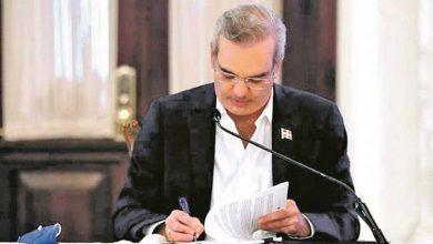 Photo of Luis Abinader amplía regulaciones para las contrataciones públicas