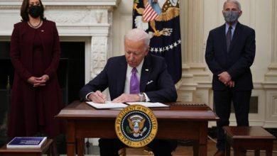 Photo of Biden lanza una estrategia «de guerra» para contener la pandemia en EEUU