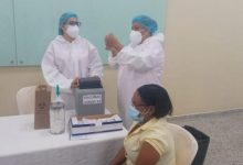 Photo of Más de 10,000 profesores serán vacunados contra el Covid en la primera etapa