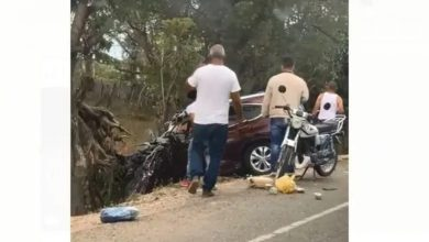 Photo of Desconocidos cargan con droga tras accidentarse vehículo en que la transportan
