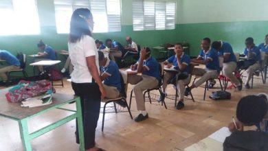 Photo of Ministro de Educación: profesores ocuparán segunda línea en el programa de vacunación contra COVID-19