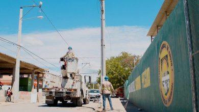 Photo of Edesur ilumina calles y dispone electrificación de plantaciones agrícolas en Azua